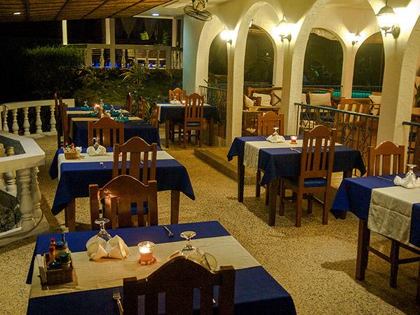 restaurant-evening